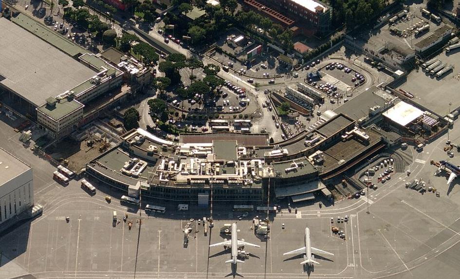 Aereo Privato Napoli : Capodichino aereo atterra senza carrello radio marte