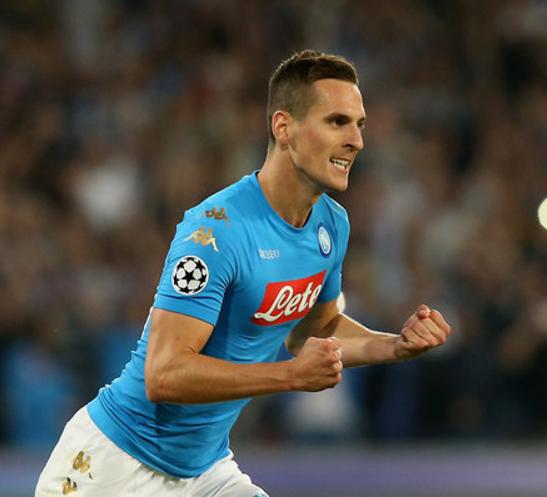 Napoli, rifinitura a Verona: squadra in ritiro, Milik torna titolare