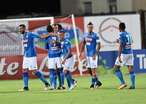 Amichevole, Trento-Napoli 0-7: apre Mertens, capolavoro di Chiriches, doppietta di Milik e primo gol in azzurro di Ounas