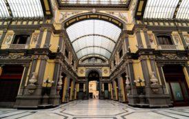 Napoli: Calcinacci Caduti Nella Galleria Principe