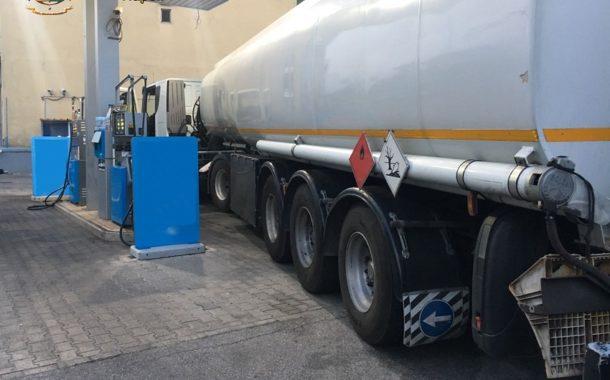 Napoli: Sequestrati Impianto Rifornimento, Carburante E Autocisterna