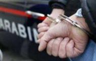 Armi, Droga, Gioielli E Contanti Nascosti In Casa: Arrestato Cinquantaseienne