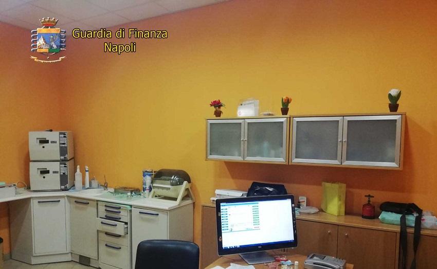 Napoli: Scoperto Falso Dentista A Capodimonte